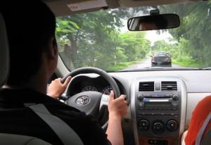 Cẩm nang lái xe ô tô an toàn trên mọi nẻo đường